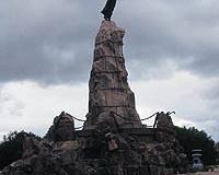 monument1